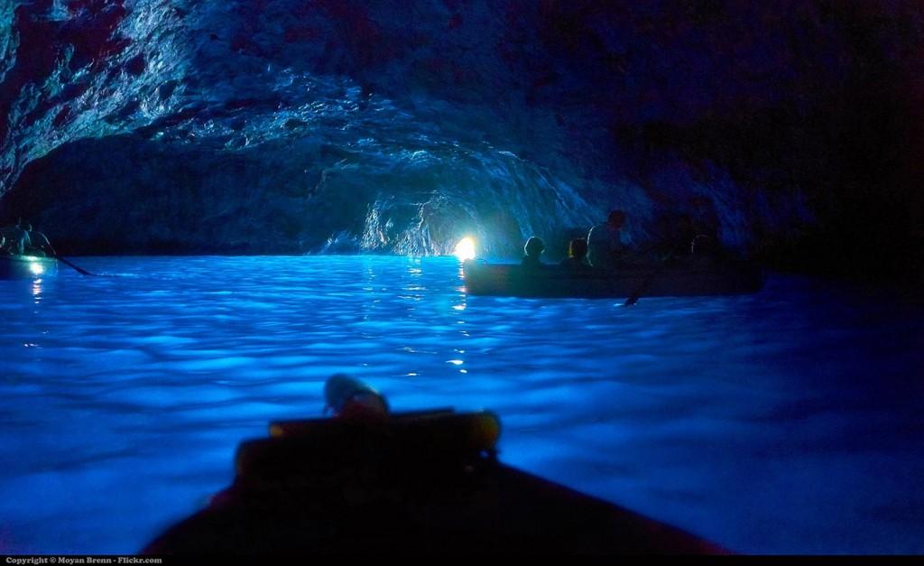 Капри, Иския и Прочида, Синьото грото на остров Капри