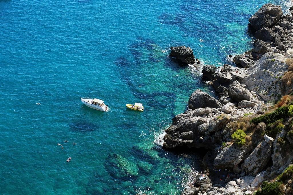 Капри, Иския и Прочида, гледка от Августинските градина на остров Капри