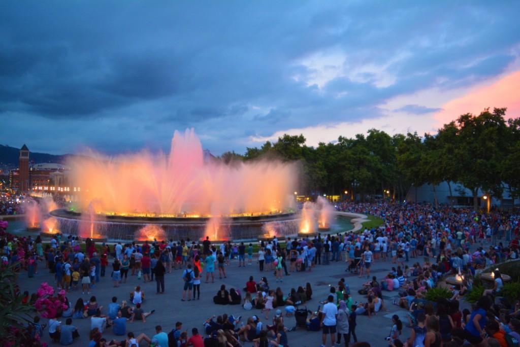 Магическият фонтан, Монджуик, Барселона за туристи