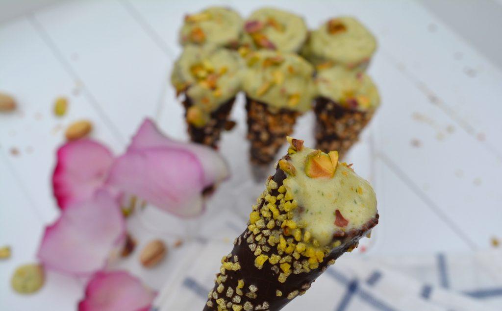 Веган сладолед с шам фъстък - лесна рецепта за домашен сладолед с банан и авокадо